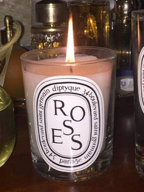 Diptyque-Roses-Lit-Candle