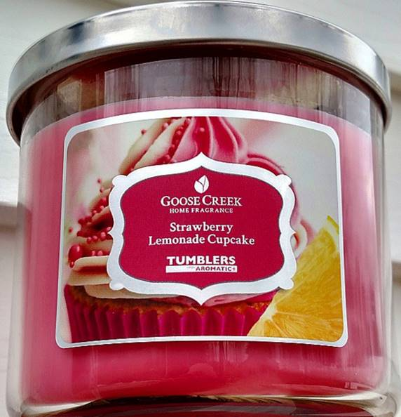 Goose-Creek-Strawberry-Lemonade-Cupcake-Candle-2