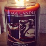 Village-Brownie-Delight-Candle-Review-1