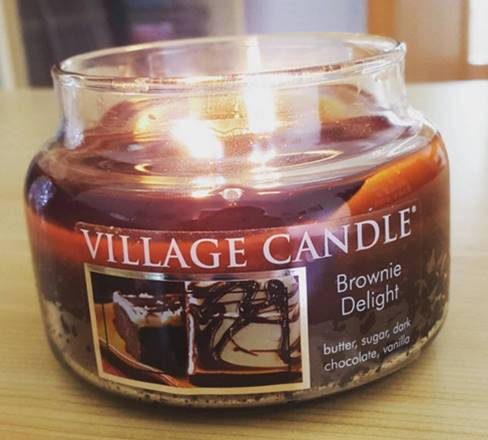 Village-Brownie-Delight-Candle-Review-2