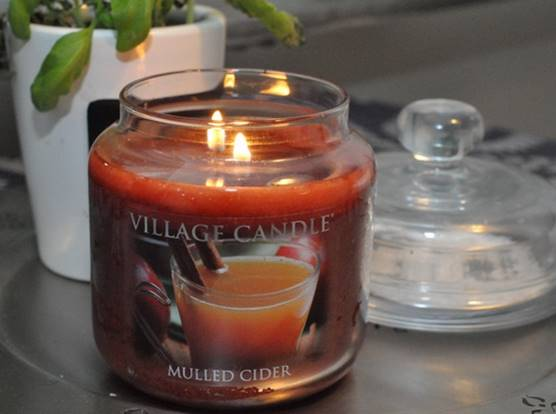 Village-Candle-Mulled-Cider-Candle