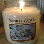 Yankee-14oz-White-Gardenia-Scented-Candle-3