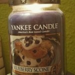 Yankee-22oz-Blueberry-Scone-Candle-Top