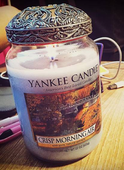 Yankee-22oz-Crisp-Morning-Air-Jar-Candle