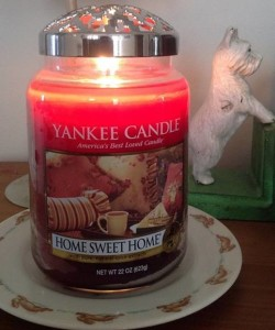 Yankee-22oz-Home-Sweet-Home-Candle