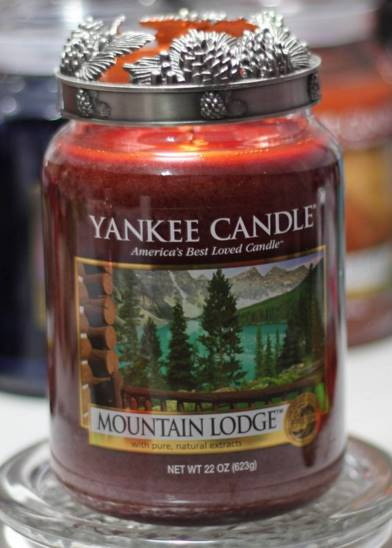 Yankee-22oz-Mountain-Lodge-Candle-1