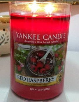 Yankee-22oz-Red-Raspberry-Pilar-Candle