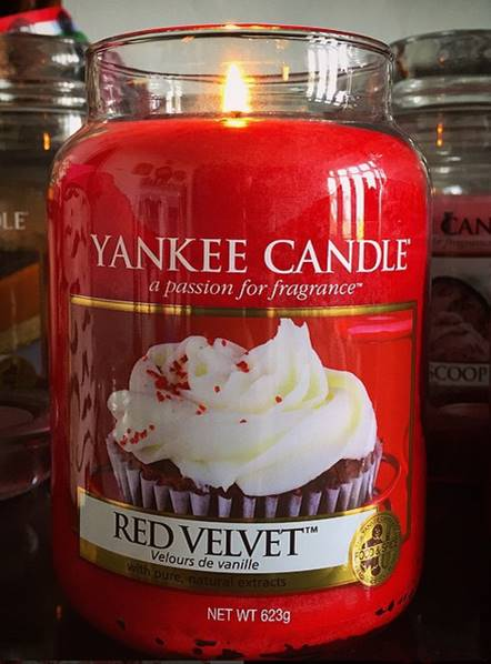 Yankee-22oz-Red-Velvet-Scented-Candle