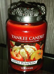 Yankee-Apple-Pumpkin-Candle-Review-2