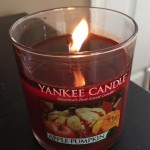 Yankee-Apple-Pumpkin-Pilar-Candle