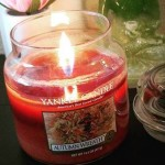 Yankee-Autumn-Wreath-14oz-Jar-Candle