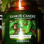 yankee-balsam-cedar-scented-candle-review-2