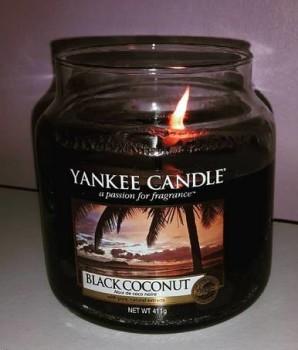 Yankee-Black-Coconut-Jar-Candle