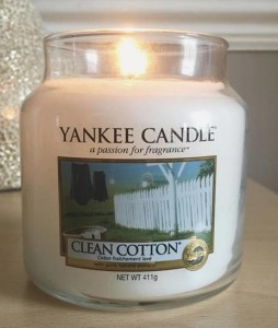 Yankee-Candle-Clean-Cotton-Medium-Jar