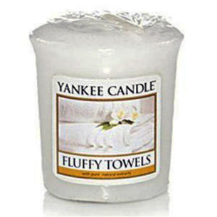 Yankee Fluffy Towels Candle Reviews - Candle Frenzy