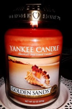 Yankee-Golden-Sands-Candle-Review-5