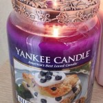 Yankee-Large-Blueberry-Scone-Candle