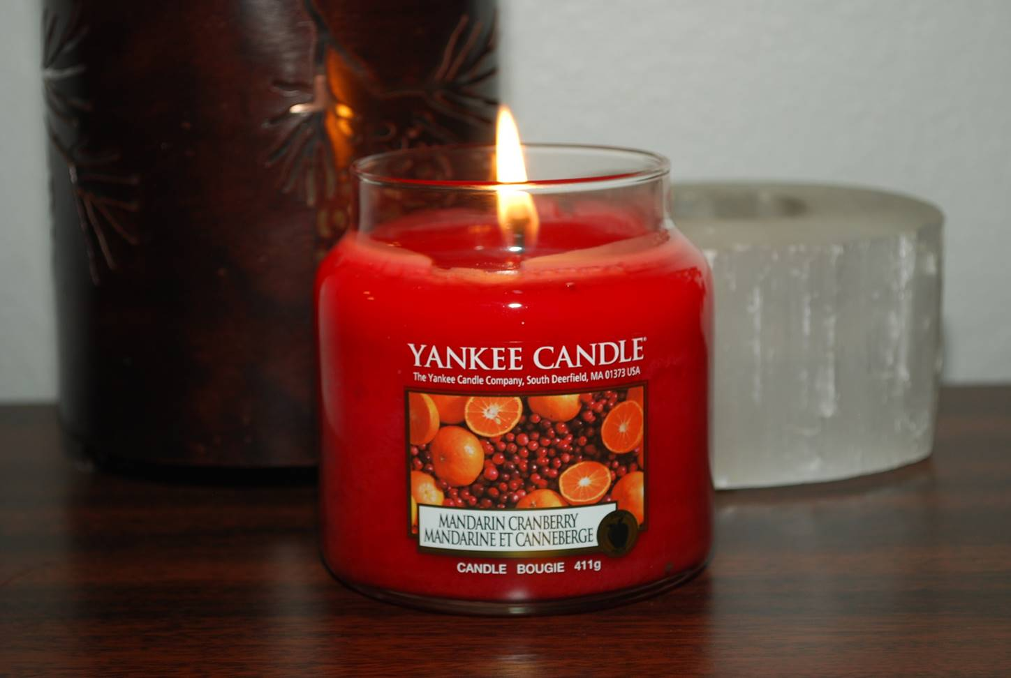 yankee-mandarin-cranberry-scented-candle-review-1