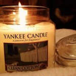 Yankee-Medium-Clean-Cotton-Candle