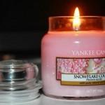 Yankee-Medium-Snowflake-Cookie-Candle