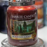 Yankee-Mountain-Lodge-Scented-candle-Review-2