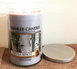 Yankee-Silver-Birch-Scented-Candle-1