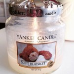 Yankee-Soft-Blanket-Scented-Candle-Review-3