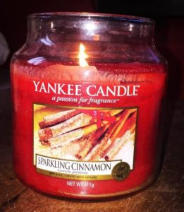 yankee-sparkling-cinnamon-scented-candle-4