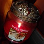yankee-sparkling-cinnamon-scented-candle-7