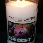 Yankee-Sugared-Apple-Scented-Candle-Review-1