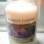Yankee-Sugared-Apple-Scented-Candle-Review-2