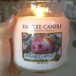 Yankee-Sugared-Apple-Scented-Candle-Review-3