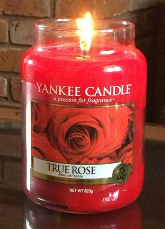 Yankee-True-Rose-Candle-Review-4