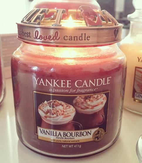 Yankee-Vanilla-Bourbon-Candle-Review-2