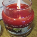 Yankee-Vanilla-Chai-Scented-Candle-1