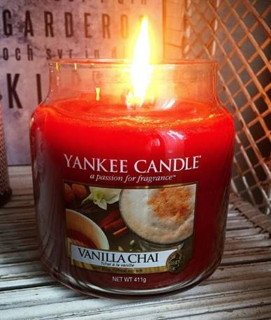 Yankee-Vanilla-Chai-Scented-Candle-Review-1