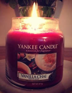 Yankee-Vanilla-Chai-Scented-Candle-Review-2