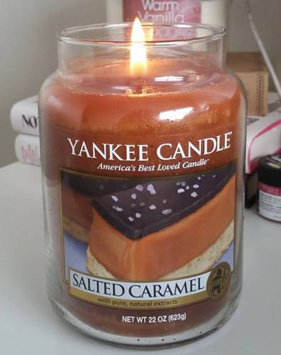 yankee-22oz-Salted-Caramel-Scented-Candle-1