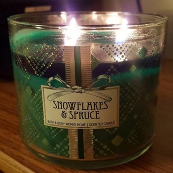 BBW-Snowflakes-Spruce-Scented-Candle-1