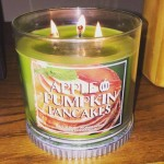 Bath-Body-Works-Apple-Pumpkin-Pancakes-Candle-Review-2
