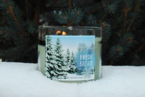 bath-body-works-fresh-balsam-scented-candle-review-5