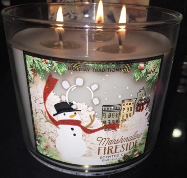 Bath-Body-Works-Marshmallow-Fireside-Scented-Candle-Review-2