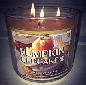 Bath-Body-Works-Pumpkin-Cupcake-Jar-Candle-3
