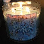 Bath-Body-Works-Vanilla-Snowflake-Scented-Candle-3