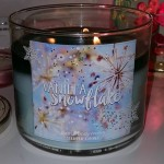 Bath-Body-Works-Vanilla-Snowflake-Scented-Candle-4