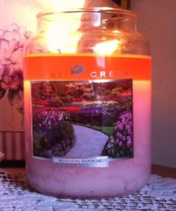 Goose-Creek-Southern-Gardens-Scented-Candle-1