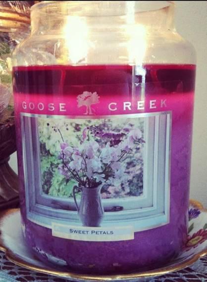Goose-Creek-Sweet-Petals-Scented-Candle-1