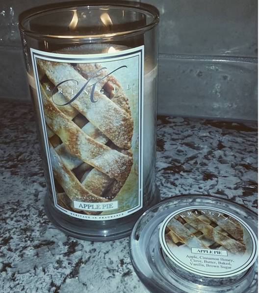 kringle candle apple pie candle review candle frenzy. Black Bedroom Furniture Sets. Home Design Ideas