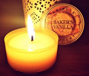 Kringle-Candles-Bakers-Vanilla-Scented-Candle-1