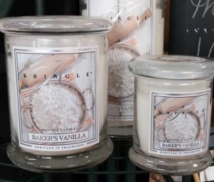 Kringle-Candles-Bakers-Vanilla-Scented-Candle-3
